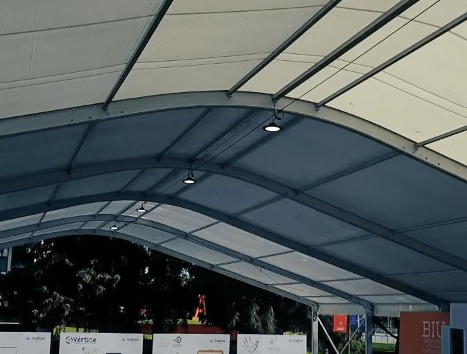 carpa de lona, estructura con lona